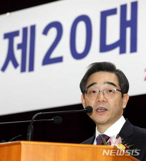 [신년사]권순일 선관위원장 '시민의식·참여 높여 민주주의 융성'