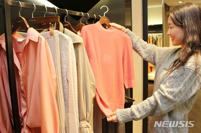 코로나 매출 급락…백화점·패션업계 손잡고 대규모 할인
